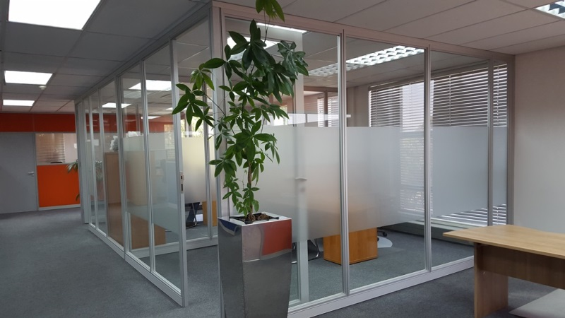 Office building for covid 19 regulations